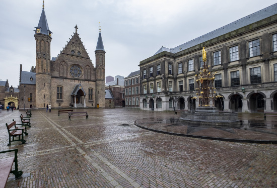 Den-haag_Binnenhof_ridderzaal