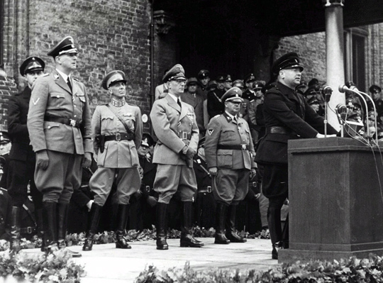 Den-haag_Mussert-tweede-wereldoorlog