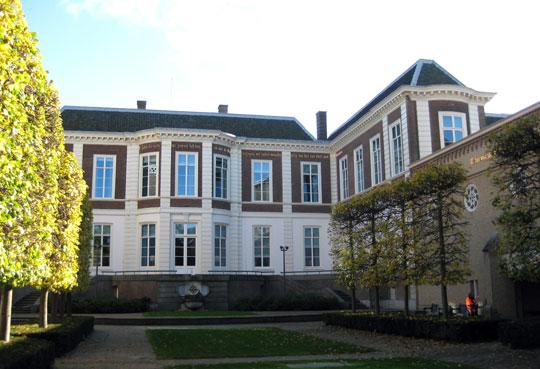 Den-haag_Paleis_Kneuterdijk-tuin