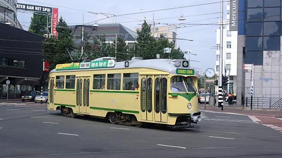 Denhaag_Tourist_tram.jpg