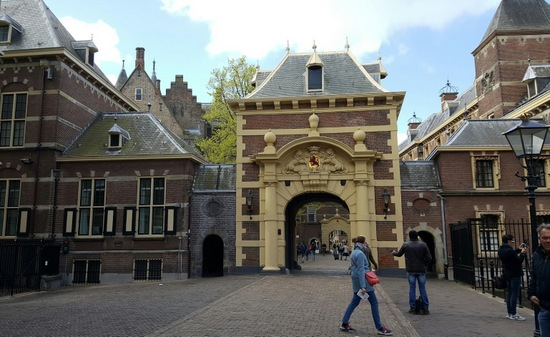 Den-haag_binnenhof