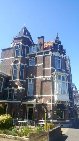 Den-haag_hotel-petit