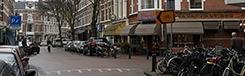 Een authentieke winkelstraat in een chique woonwijk
